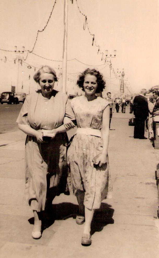 Edna May Bailey and her mum Hilda Beason on a visit to Blackpool around 1946