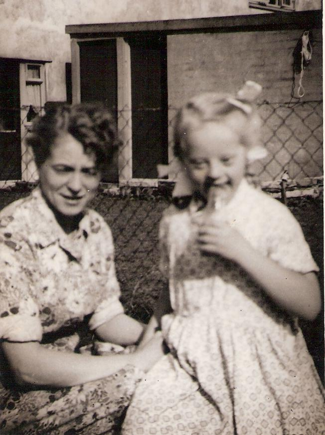 Edna May Bailey and her sister Linda Joyce Beason in the early 1950's